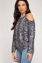 She and Sky LONG SLEEVE REPTILE PRINTED TOP - Front full body