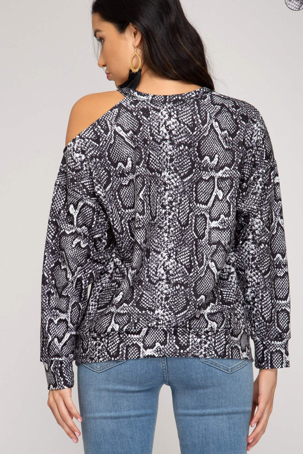 She and Sky LONG SLEEVE REPTILE PRINTED TOP - Side Cropped Image