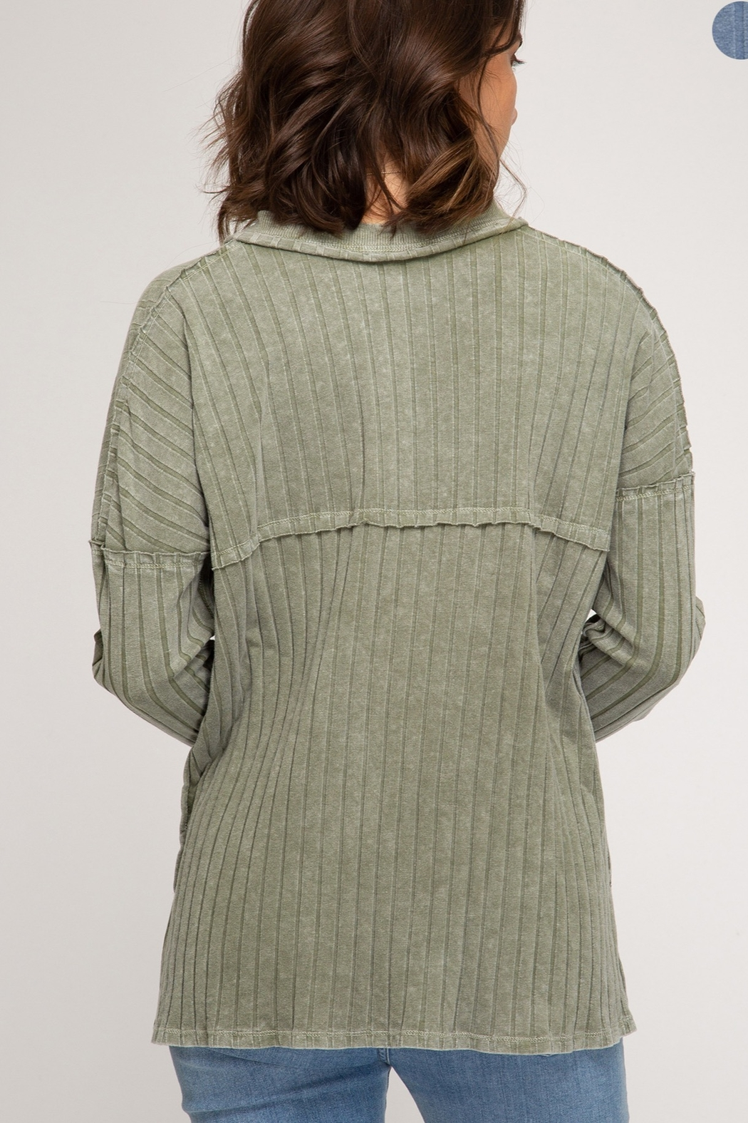 She and Sky LONG SLEEVE RIB KNIT TOP WITH FRONT BUTTON PLACKET DETAIL - Side Cropped Image