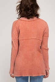 She and Sky LONG SLEEVE RIB KNIT TOP WITH FRONT BUTTON PLACKET DETAIL - Front full body