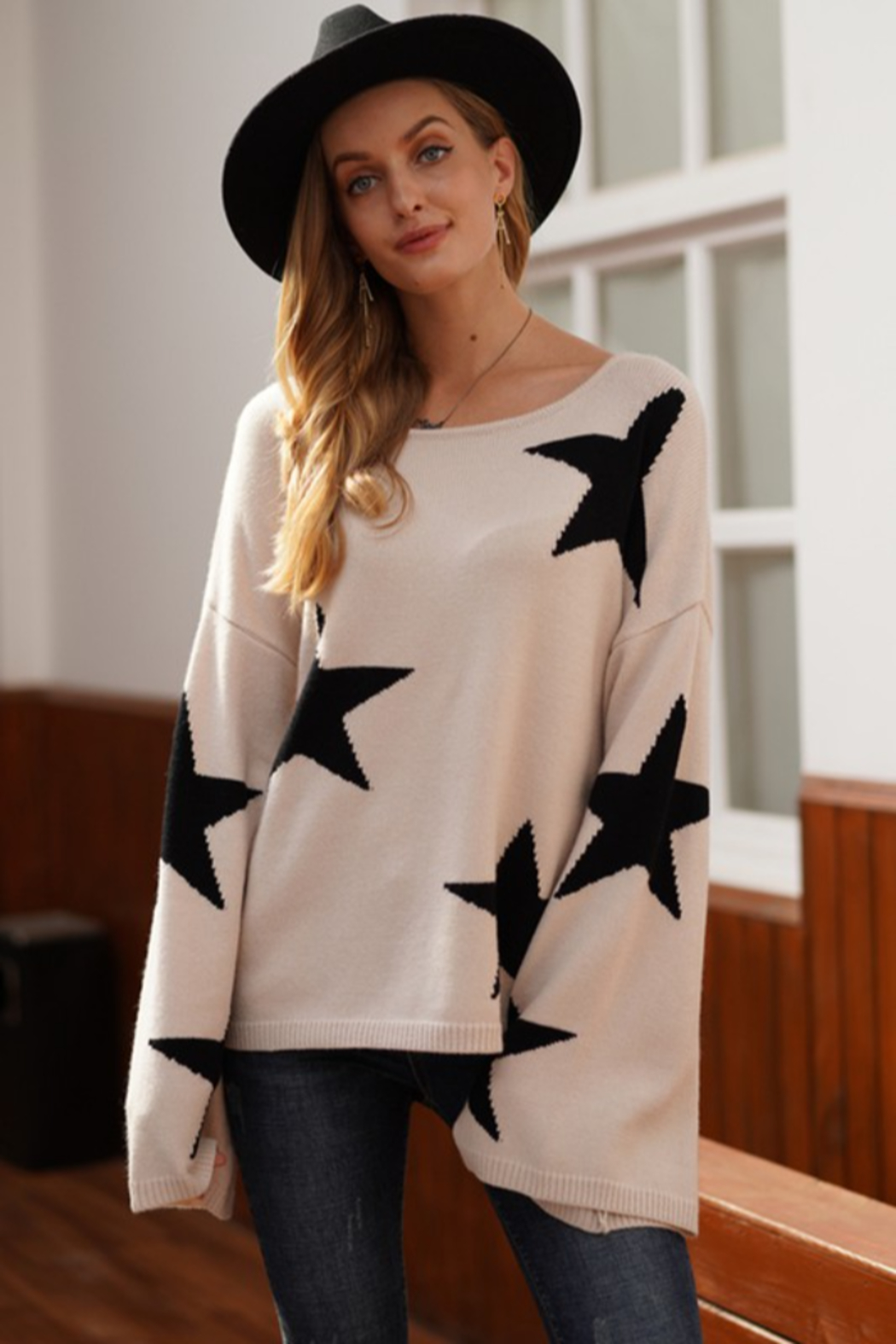 lily clothing Long Sleeve Star Printed Sweater - Main Image