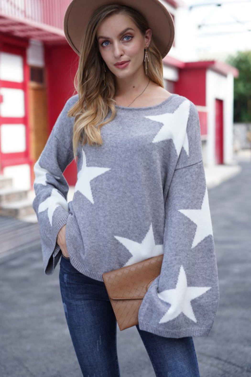 lily clothing Long Sleeve Star Printed Sweater - Front Cropped Image
