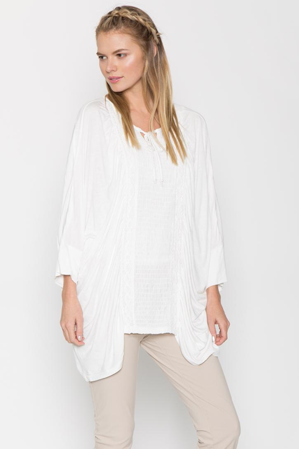 Monoreno Loose-Fit Embroidered Tee - Front Cropped Image