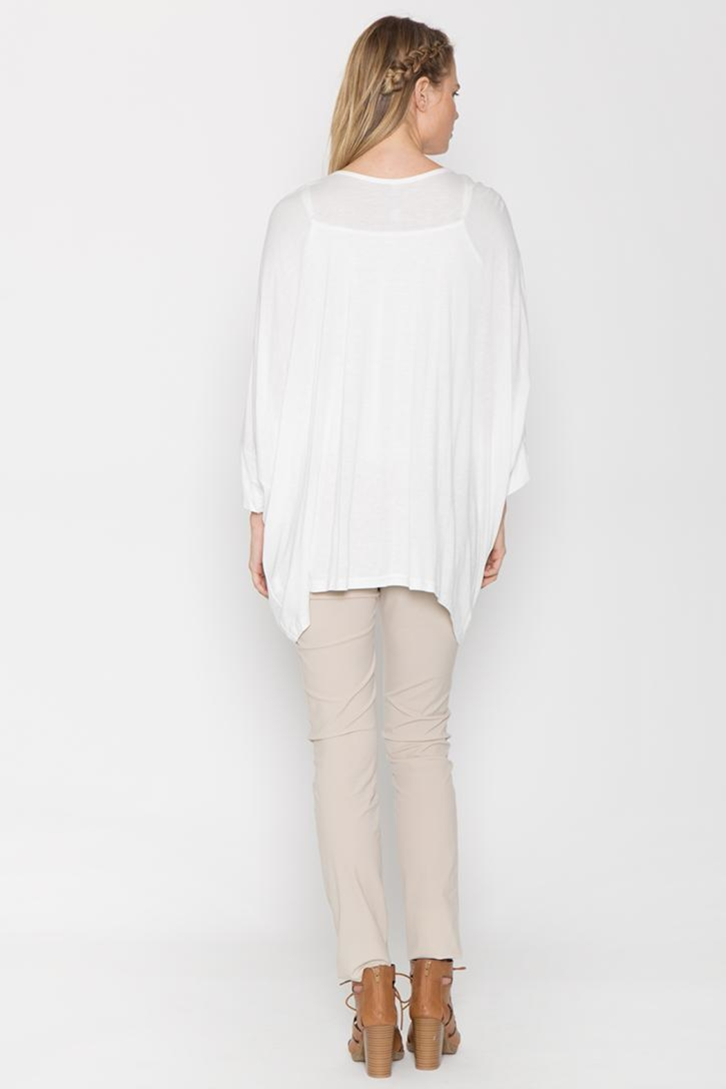 Monoreno Loose-Fit Embroidered Tee - Front Full Image