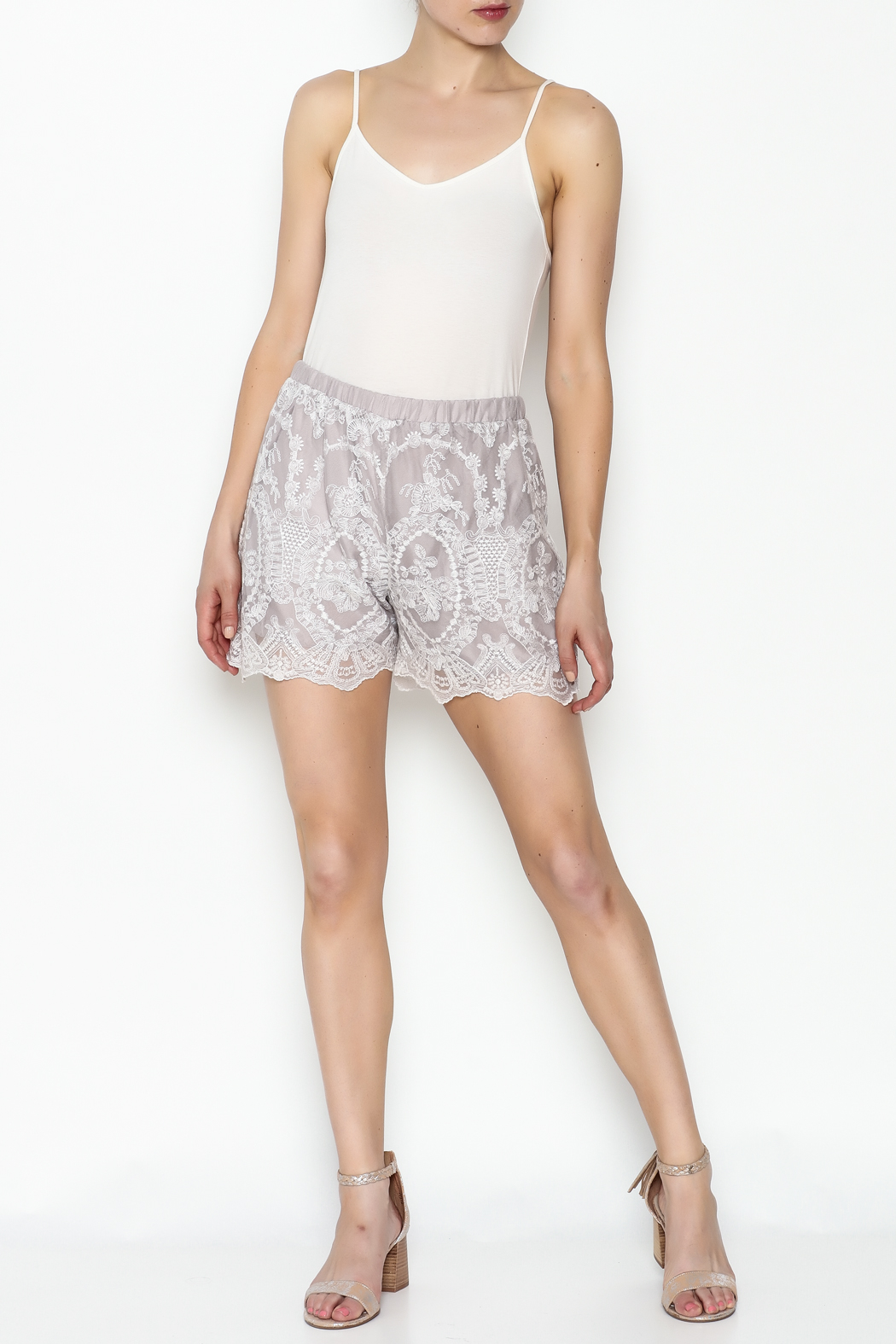 Love & Liberty Mamie Shorts - Side Cropped Image