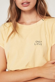 SPIRITUAL GANGSTER Love Classic Tee - Side cropped