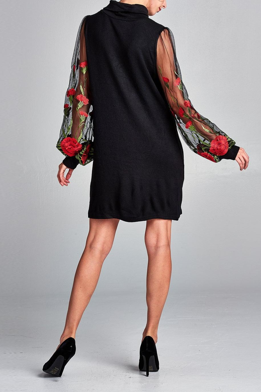 Love Kuza Embroidered Floral Dress - Side Cropped Image