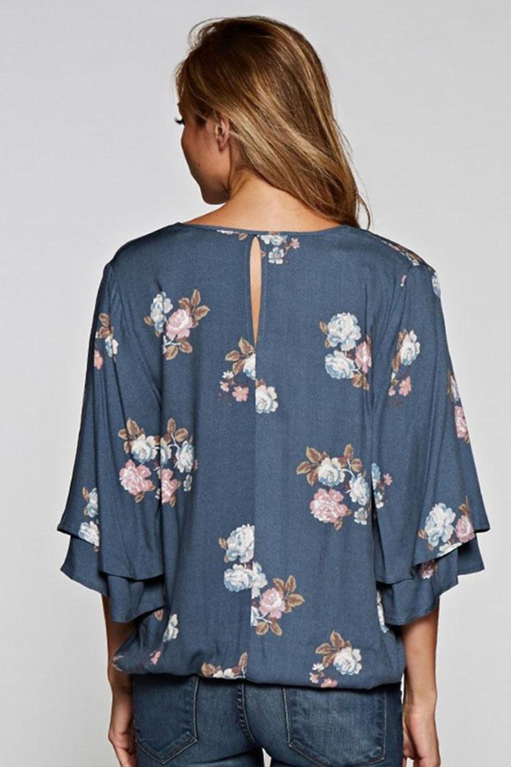 Love Stitch Layered Sleeve Top - Side Cropped Image