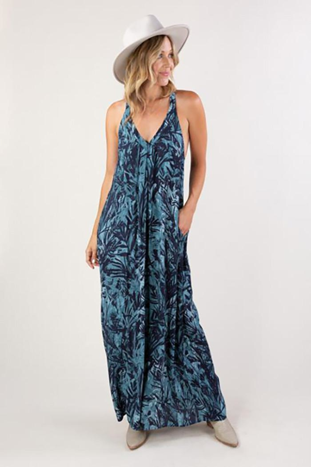 Love Stitch Tropical Print Sleeveless Maxi Dress - Front Cropped Image