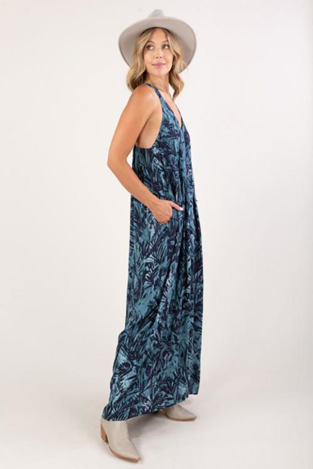 Love Stitch Tropical Print Sleeveless Maxi Dress - Back Cropped Image