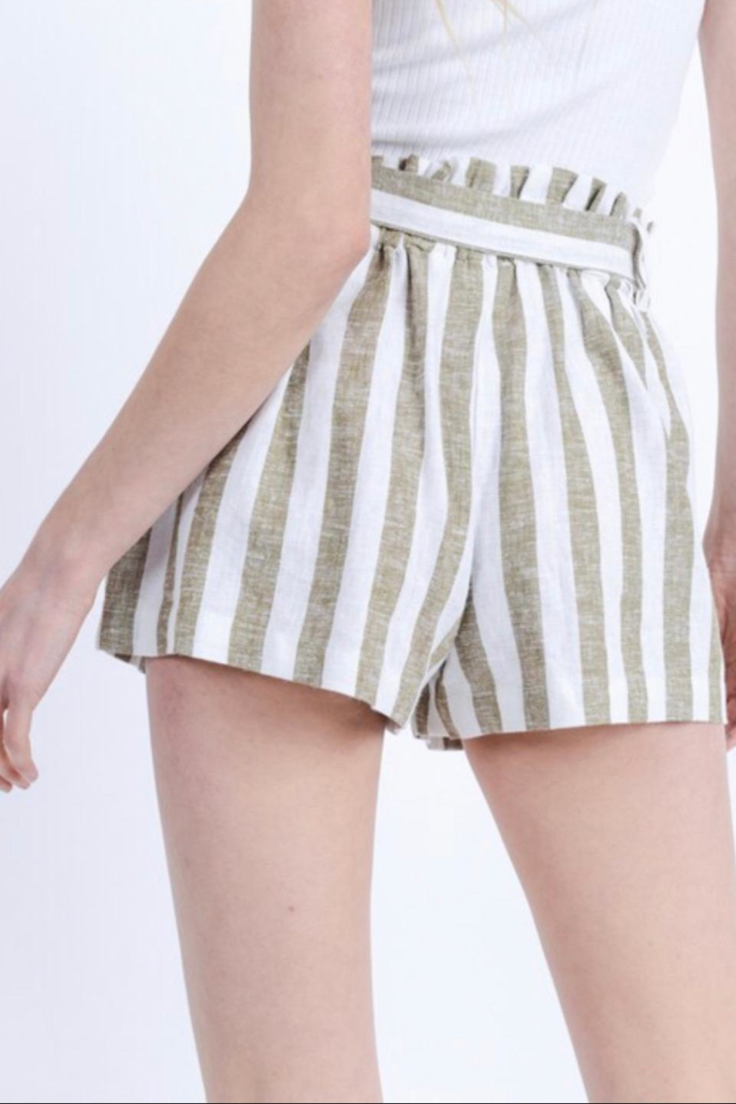 Love Tree Paper-Bag Linen Shorts - Side Cropped Image
