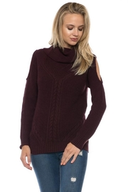 Love Tree Plum Cold Shoulder - Front cropped