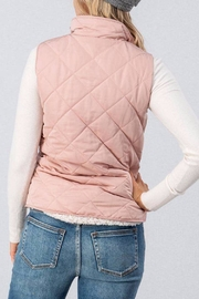 Love Tree Reversible Quilted/sherpa Vest - Side cropped