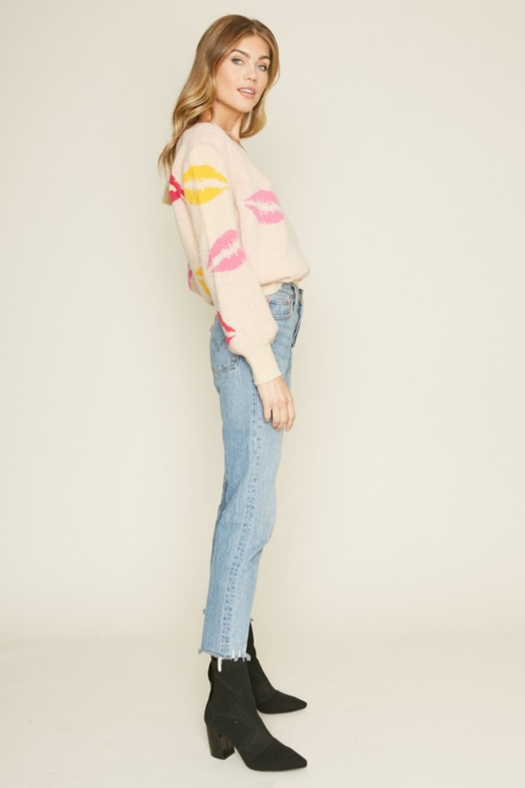 Dee Elly Lovely Lips Sweater - Front Full Image