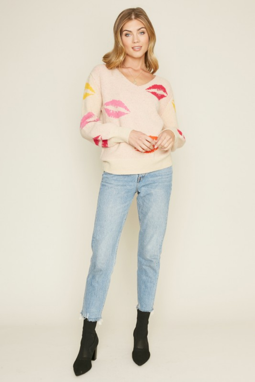 Dee Elly Lovely Lips Sweater - Back Cropped Image