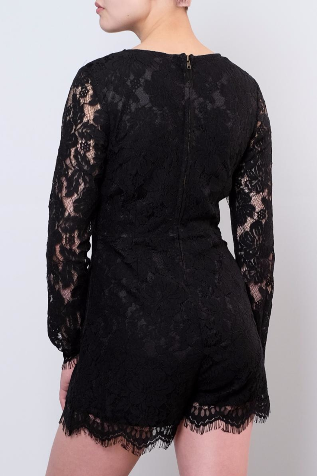 LoveRiche Lace Romper - Side Cropped Image