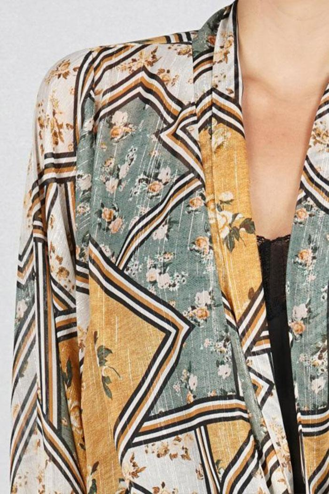 Lovestitch Tie Front Kimono-Top - Side Cropped Image