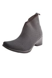 CHARLESTON Lower King Boot - Front cropped