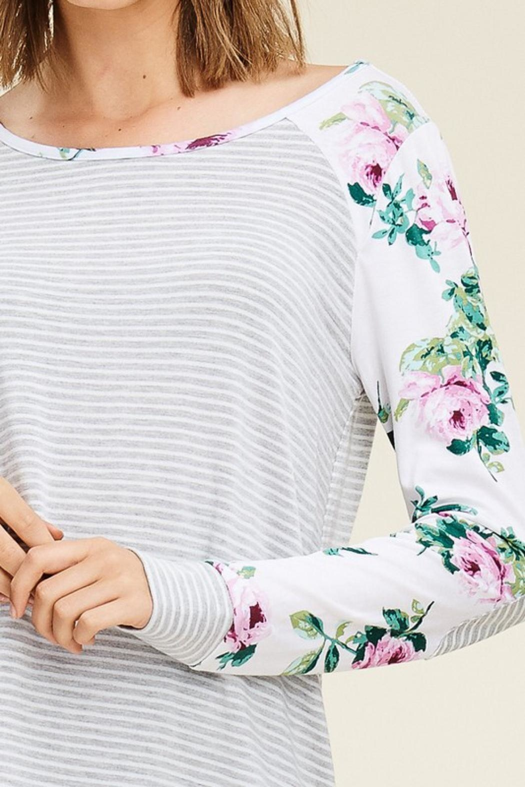 LuLu's Boutique Floral Sleeve Top - Side Cropped Image