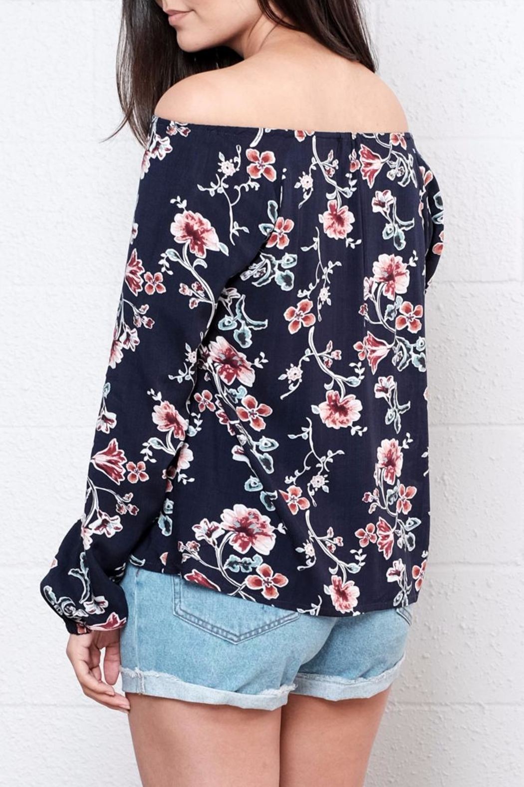 Lumiere Floral Off Shoulder Blouse - Side Cropped Image
