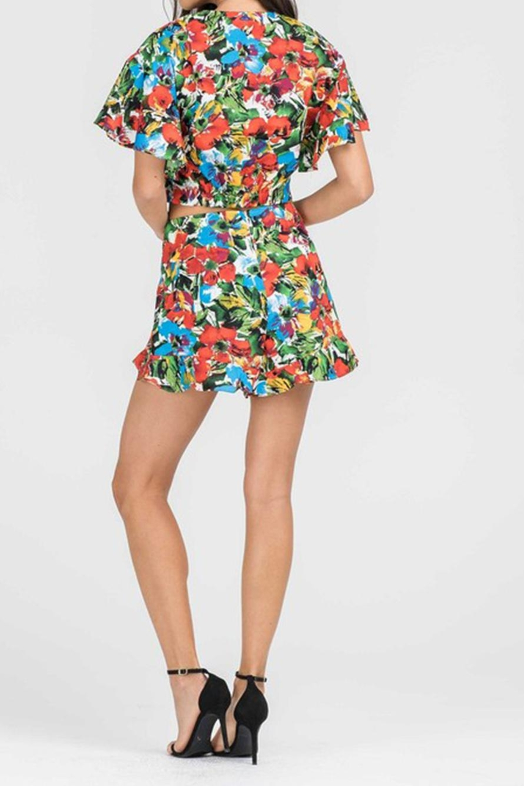 Lush Floral Crop Top - Side Cropped Image