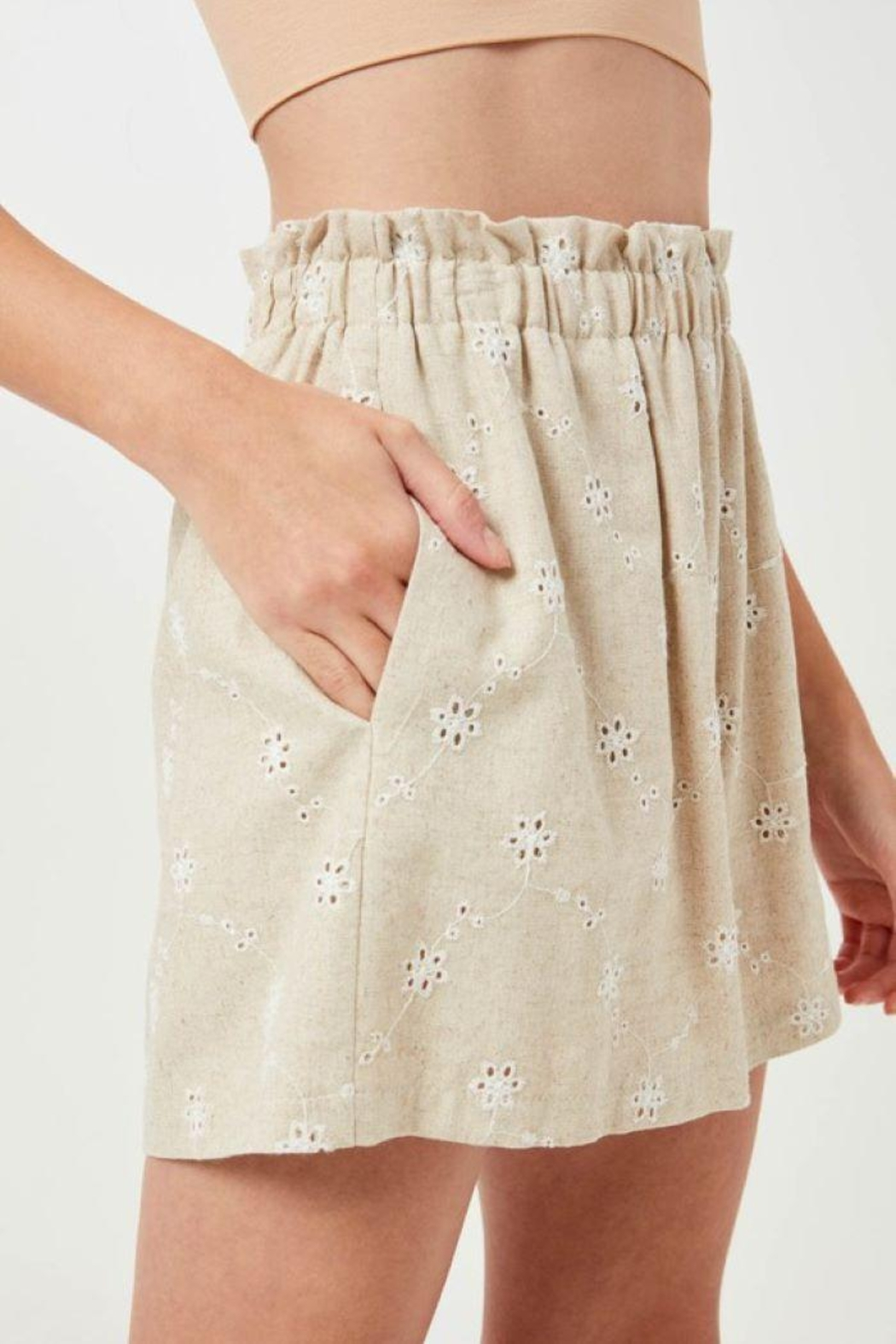 Lush Linen Floral Embroidered Shorts - Side Cropped Image