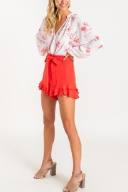 Lush Ruffle Some Feathers Shorts - Side cropped
