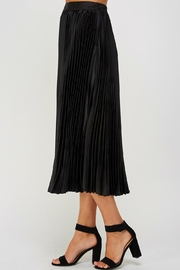 luxxel Pleated Midi Skirt - Side cropped
