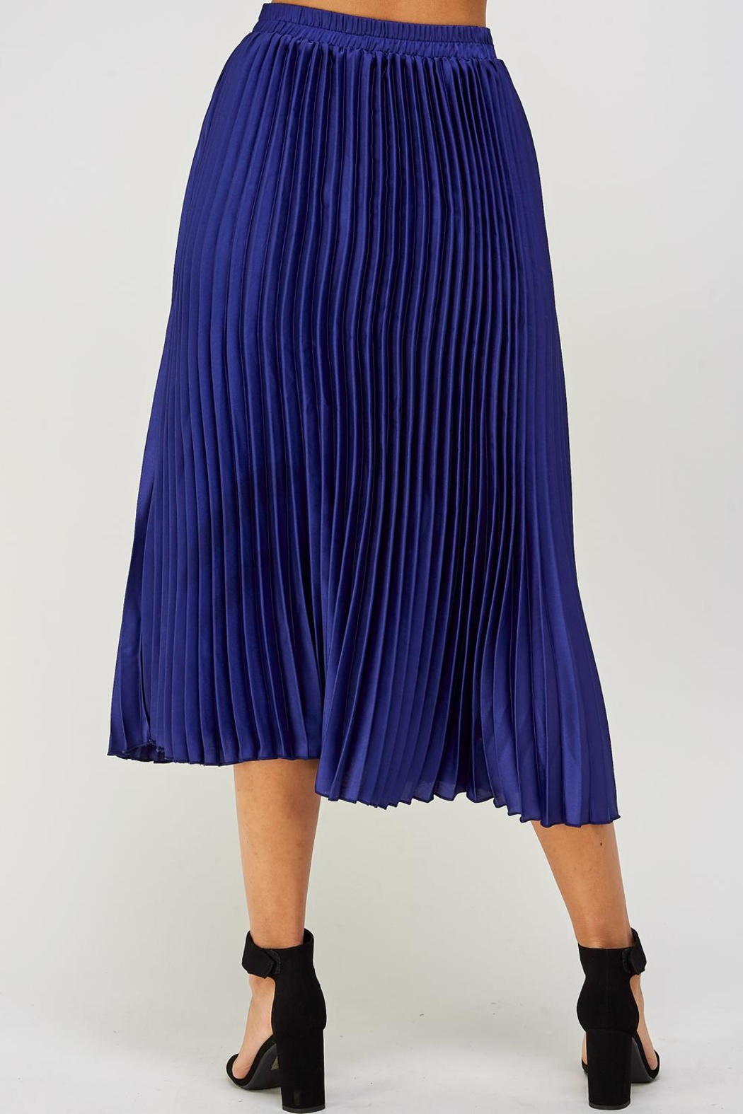 luxxel Pleated Midi Skirt - Back Cropped Image