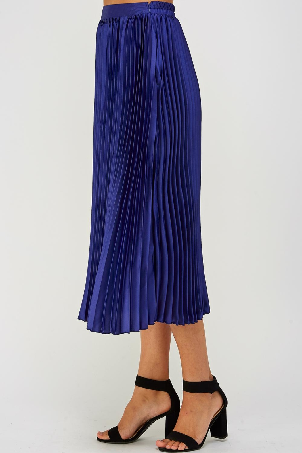 luxxel Pleated Midi Skirt - Side Cropped Image