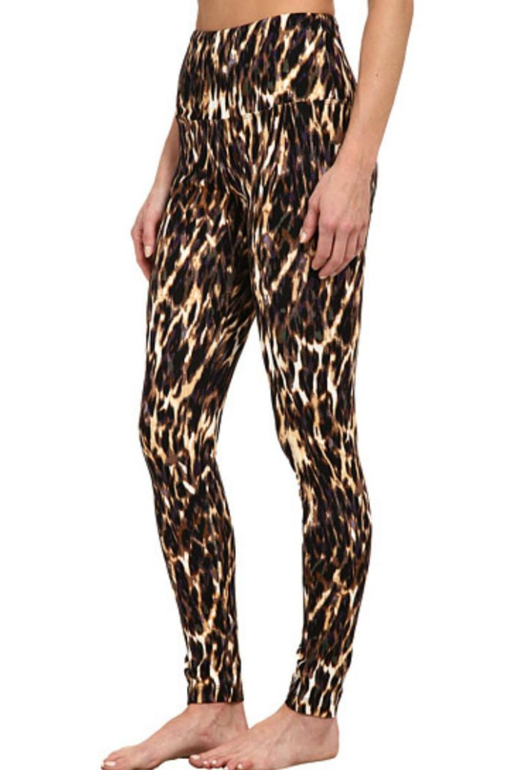 Lyssé Leopard Blur Leggings - Side Cropped Image
