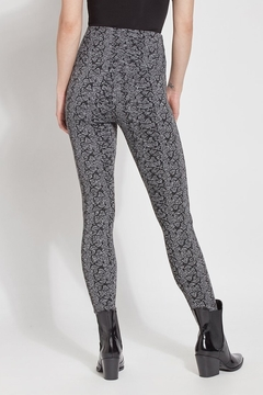 Lyssé Lysse' Signature Jacquard Legging - Alternate List Image