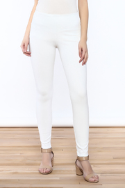 Lyssé White Denim Legging - Front cropped