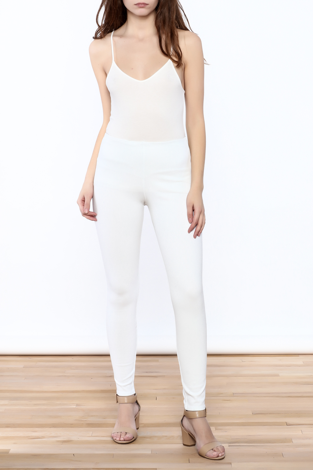 Lyssé White Denim Legging - Front Full Image