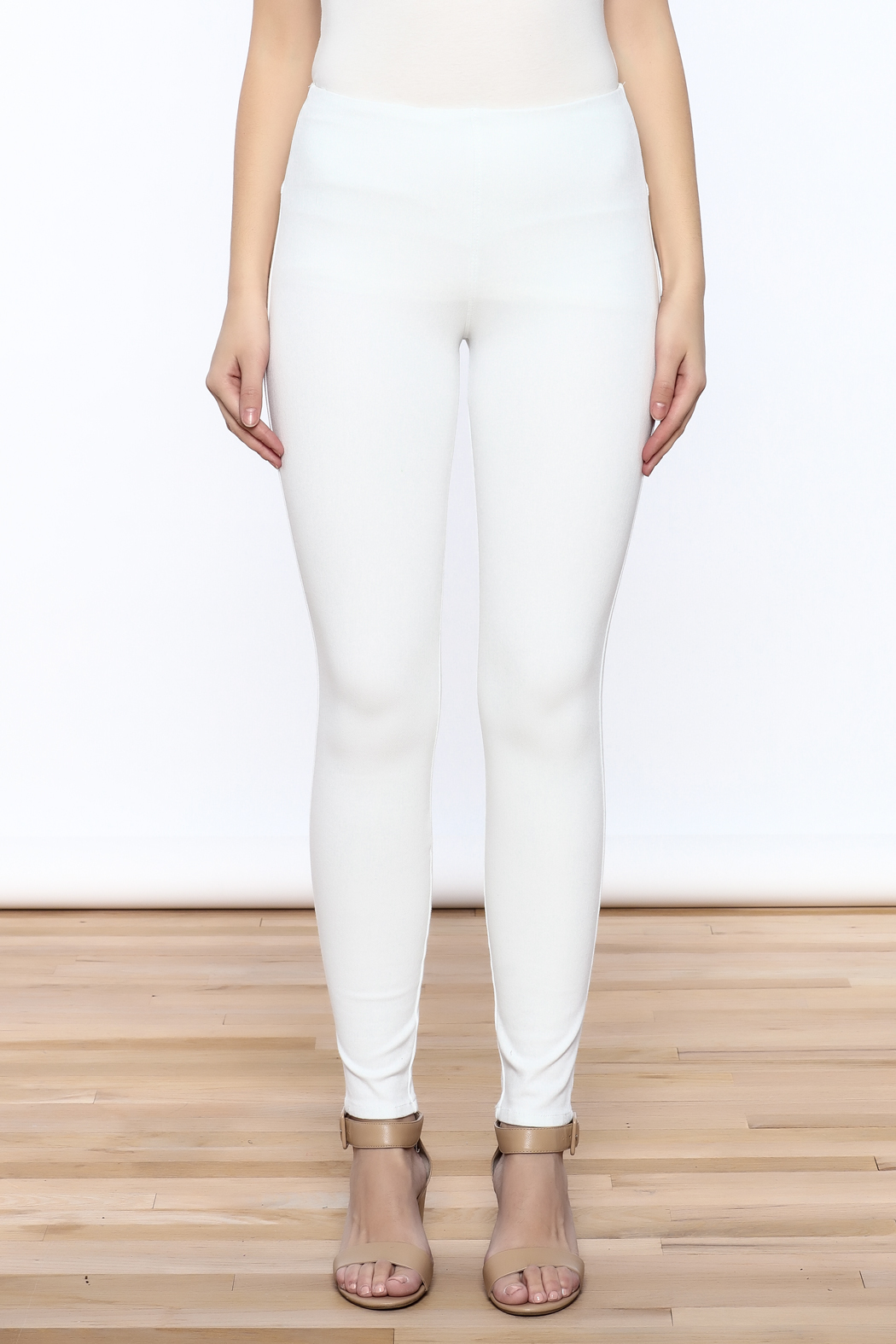 Lyssé White Denim Legging - Side Cropped Image