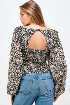 Mable Floral Shirring Top - Alternate List Image