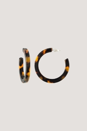 Machete Midi Hoops In Classic Tortoise - Product Mini Image