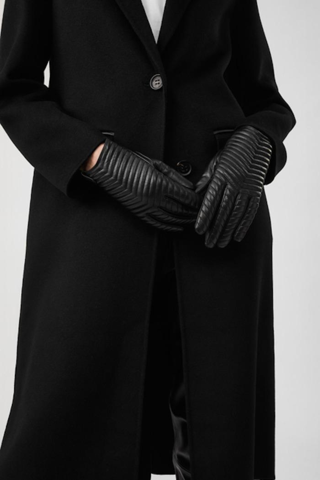 Mackage Cano-R Leather Glove - Side Cropped Image