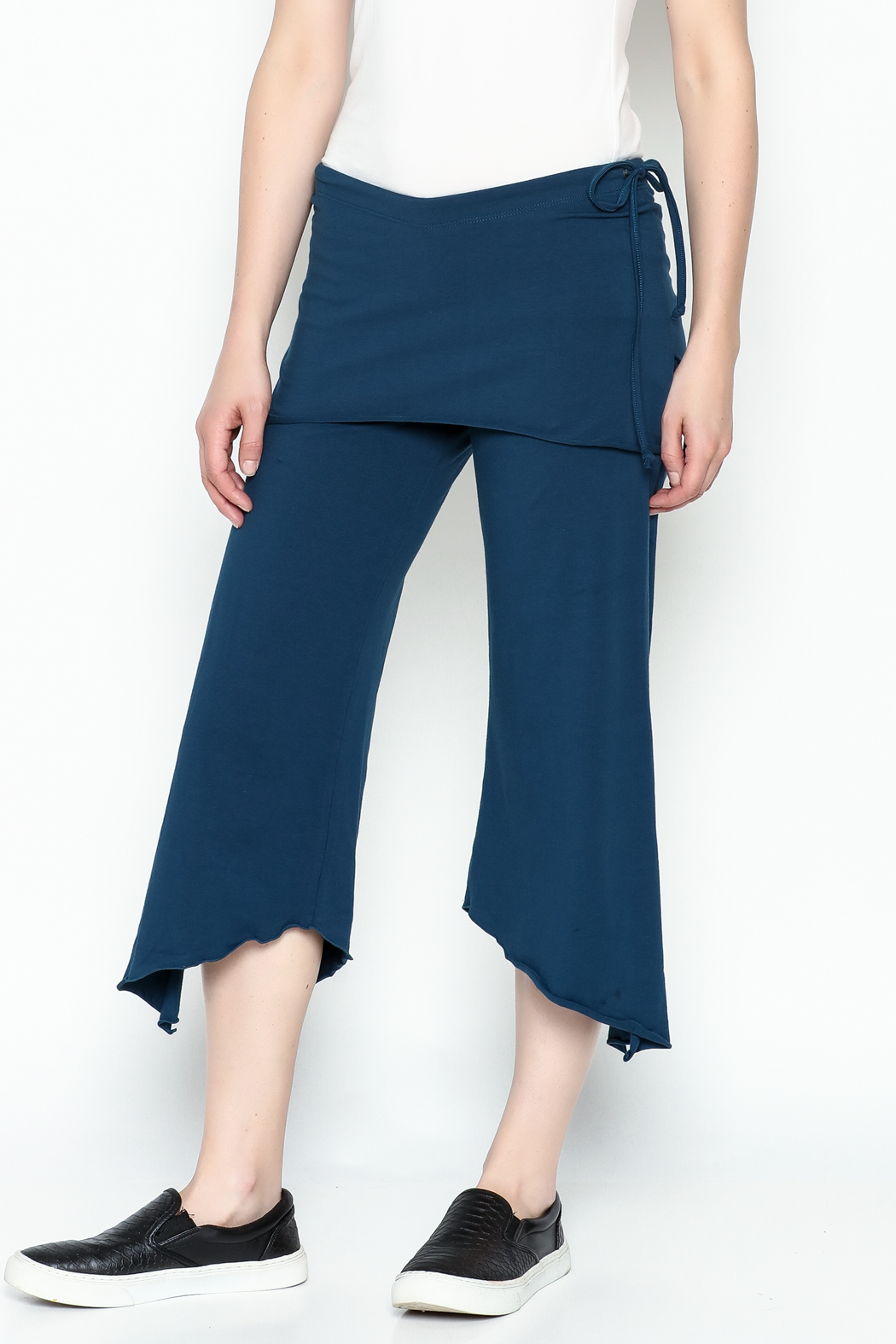 Made on Earth Skirted Crop Pant - Side Cropped Image