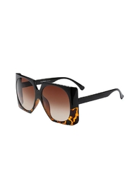 Madison Avenue Accessories Maggie Sunnies - Front cropped