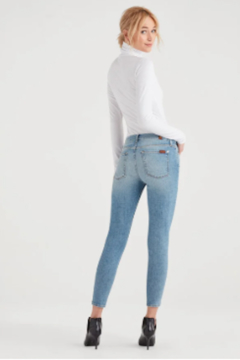 7 For all Mankind Magic Eye Skinny Jean - Alternate List Image