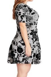 Mai Tai Floral Pattern Dress - Side cropped