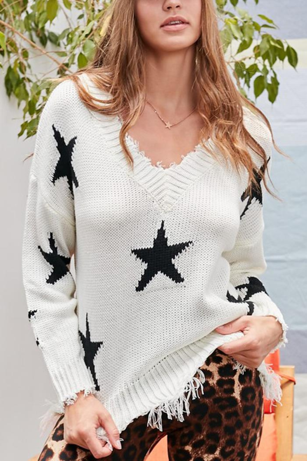Main Strip Distressed Frayed Star Print V Neck Knit Sweater - Back Cropped Image