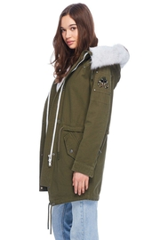 Moose Knuckles  Mainville Canvas Parka - Side cropped