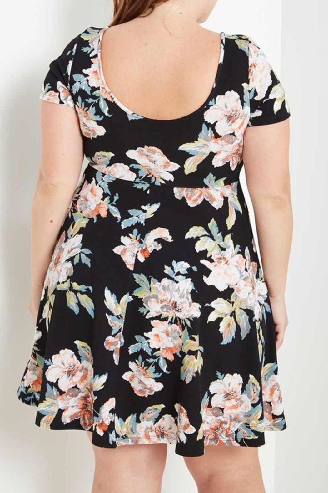 MaiTai Floral Tee Dress - Side Cropped Image