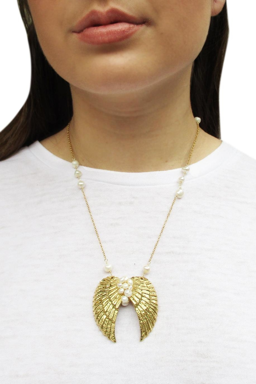 Malia Jewelry Pearls Wings Necklace - Side Cropped Image
