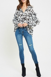 Wishlist Mallory Floral Blouse - Product Mini Image