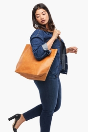 Able MAMUYE CLASSIC TOTE LEATHER - Front full body