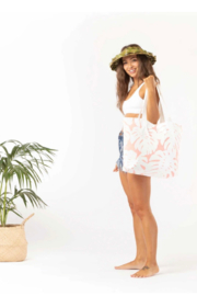 Aloha Collection Manoa Day Tripper - Side cropped