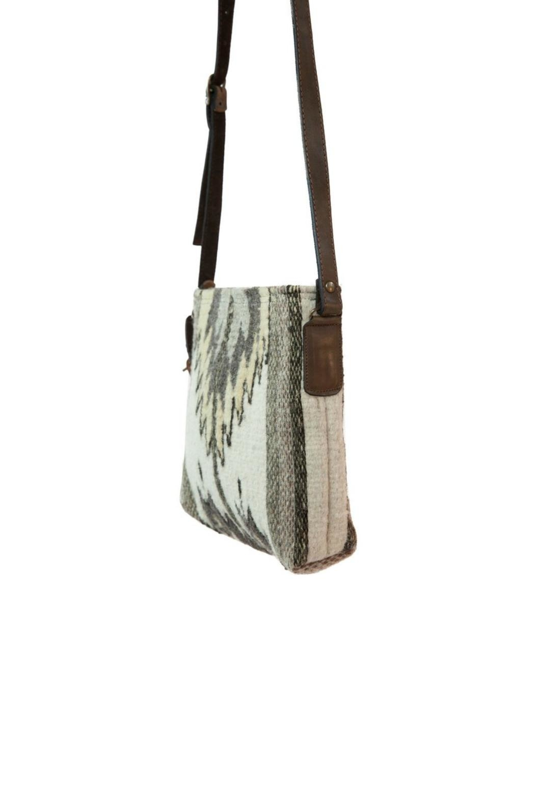 Manos Zapotecas Natural Chevrons Crossbody - Front Full Image